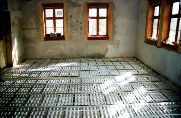 Fußboden Im Haus ~ Haus fliegenwedel radebaul ripal produktion und verlegen von